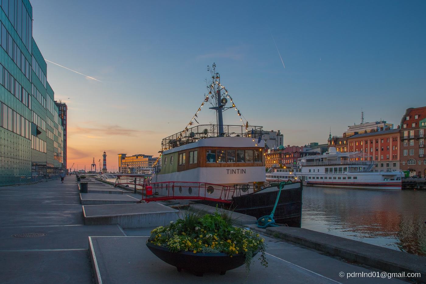 Malmö och båten Tintin vid kaj